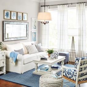 Белая мебель в уютной гостиной