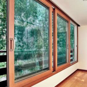 Пластиковые окна с имитацией натурального дерева