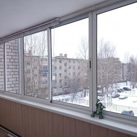 Фото остекления лоджии в кирпичном доме