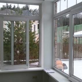 Раздвижная система остекления на балконе в доме