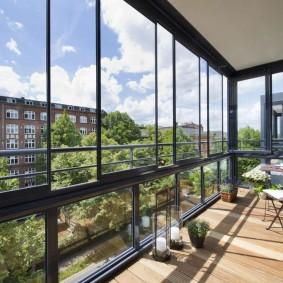 Панорамный балкон с алюминиевыми онами