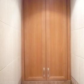 Сантехнический шкафчик с дверками из МДФ под дерево