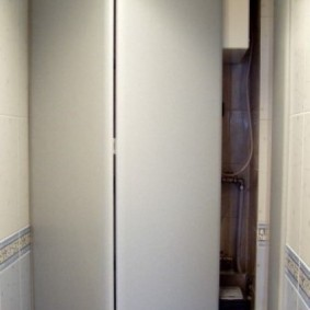 Складная дверка-гармошка за унитазом