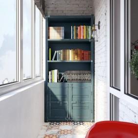Книжный шкаф на остекленной лоджии