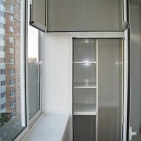 Встроенный шкаф из ПВХ-профиля