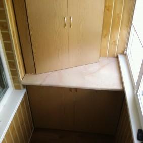 Шкаф на лоджии своими руками из подручных материалов