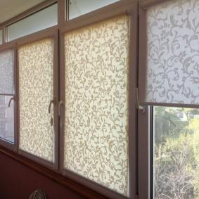 Рулонные шторы на пластиковых створках