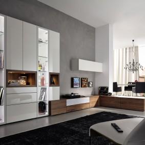 Просторная гостиная с современной мебелью