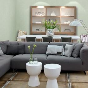 Зонирование столовой-гостиной спинкой дивана