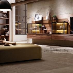 Коричневая мебель в просторной гостиной