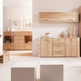 Недорогая мебель с фасадами из сосны