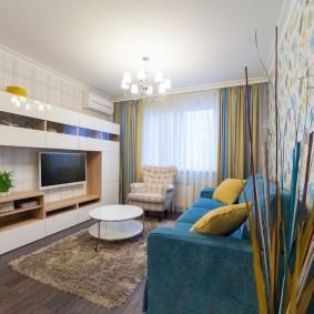 Сочетание обоев в интерьере гостиной