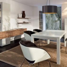Белый стол в гостиной современного стиля