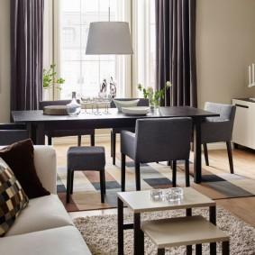 Оформление обеденной зоны в гостиной комнате