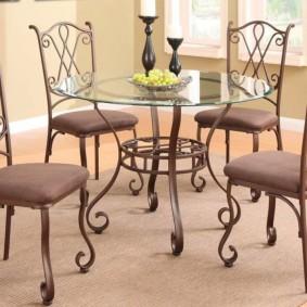 Кованные стульчики с мягким сидением