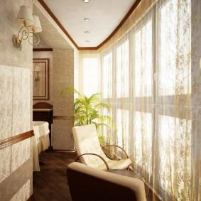 Красивый тюль на панорамном окне лоджии