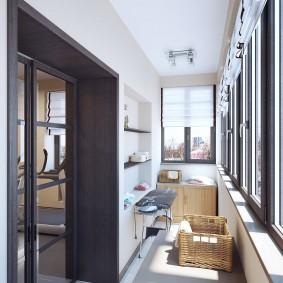 Интерьер балкона с алюминиевыми рамами