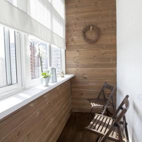 Деревянная отделка теплого балкона