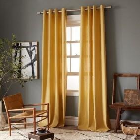 Плотные занавески желтого цвета