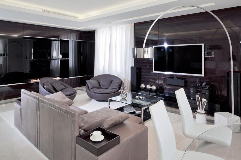 Глянцевая мебель в гостиной стиля хай-тек