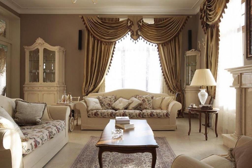 Декор шторами окна гостиной в классическом стиле