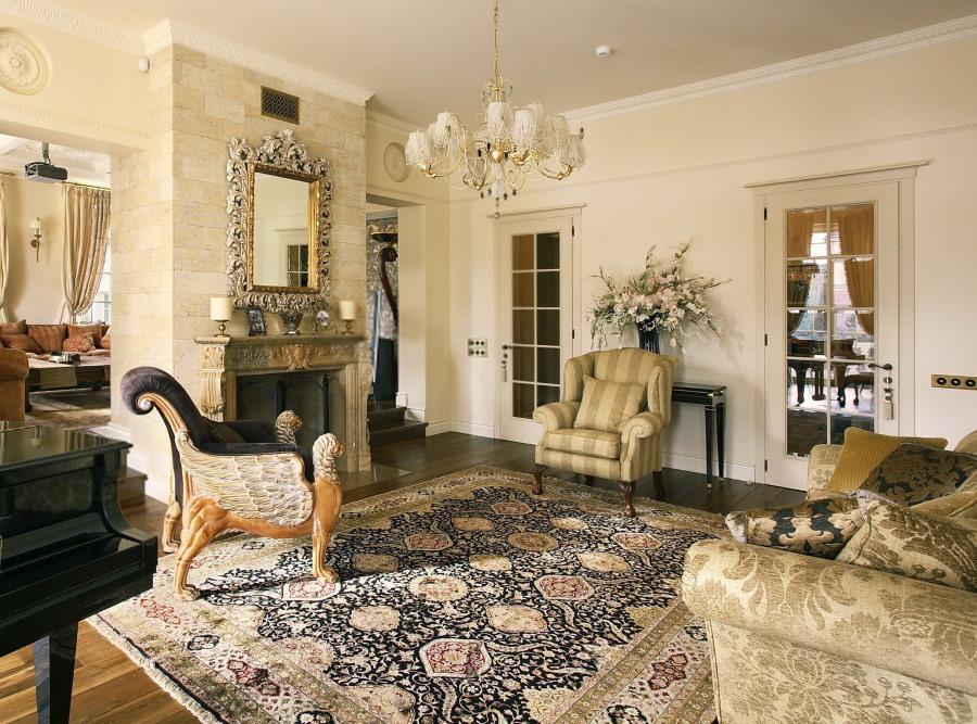 Большой ковер в гостиной классического стиля