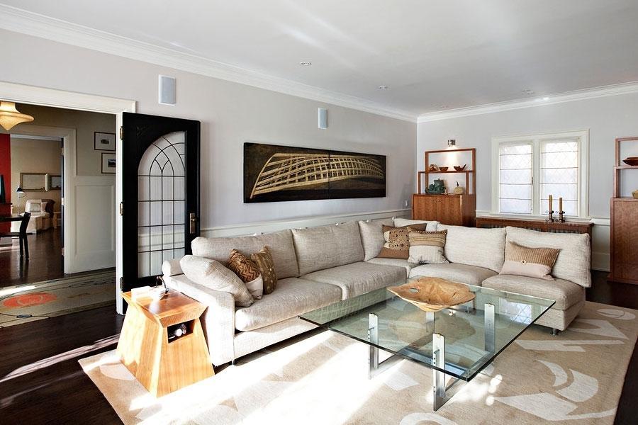 Расстановка мебели в гостиной с угловым диваном