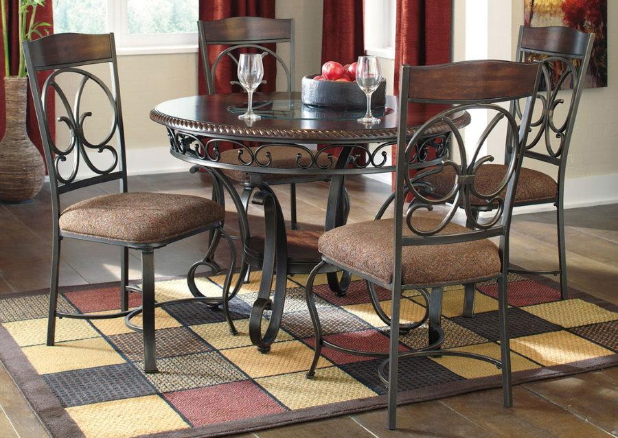 Обеденные стулья с элементами ручной ковки