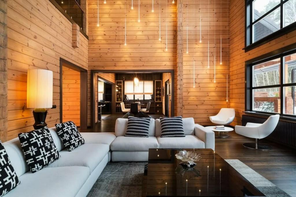 Пример освещения гостиной в доме из дерева