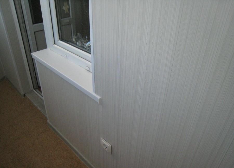 Обшивка стен лоджии панелями из МДФ