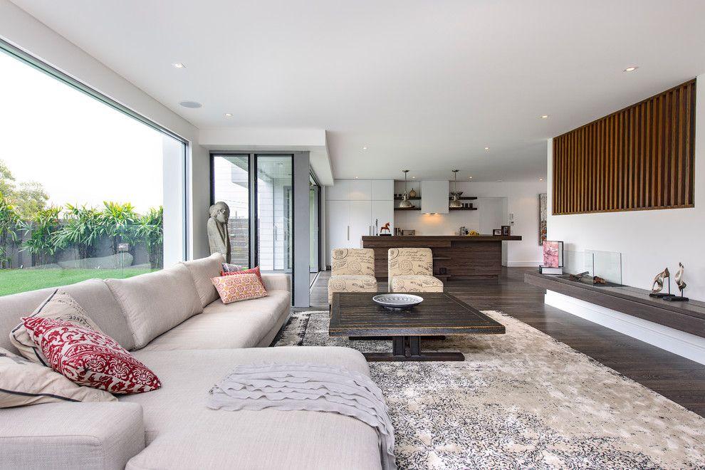 Декорирование просторной гостиной в стиле минимализма