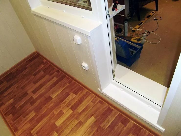 это порог балконной двери фото свободное жильё