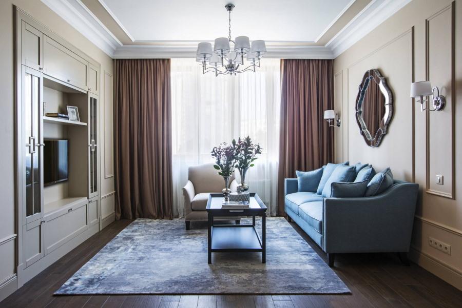 Прямоугольная гостиная с искусственным ковром на полу
