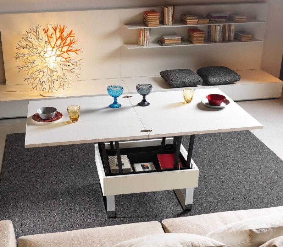 Многофункциональная мебель в интерьере гостиной