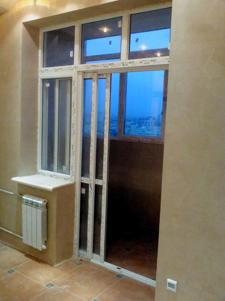 Раздвижные двери для утепленного балкона в квартире