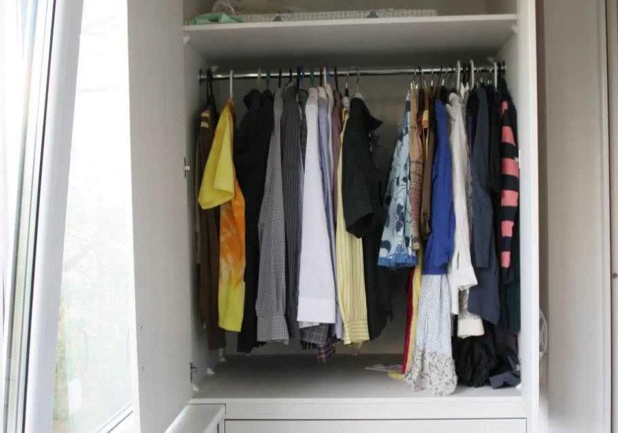 Гардеробный шкаф на теплой лоджии