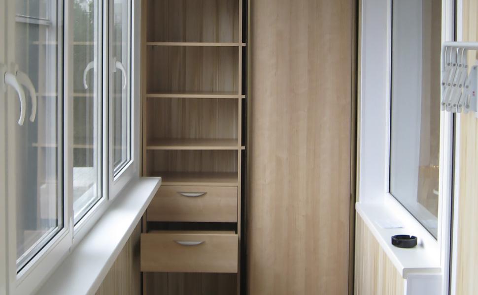 Бюджетный шкаф с выдвижными ящиками