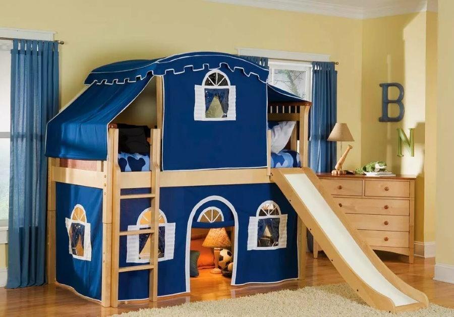 Детская кровать с горкой для мальчика