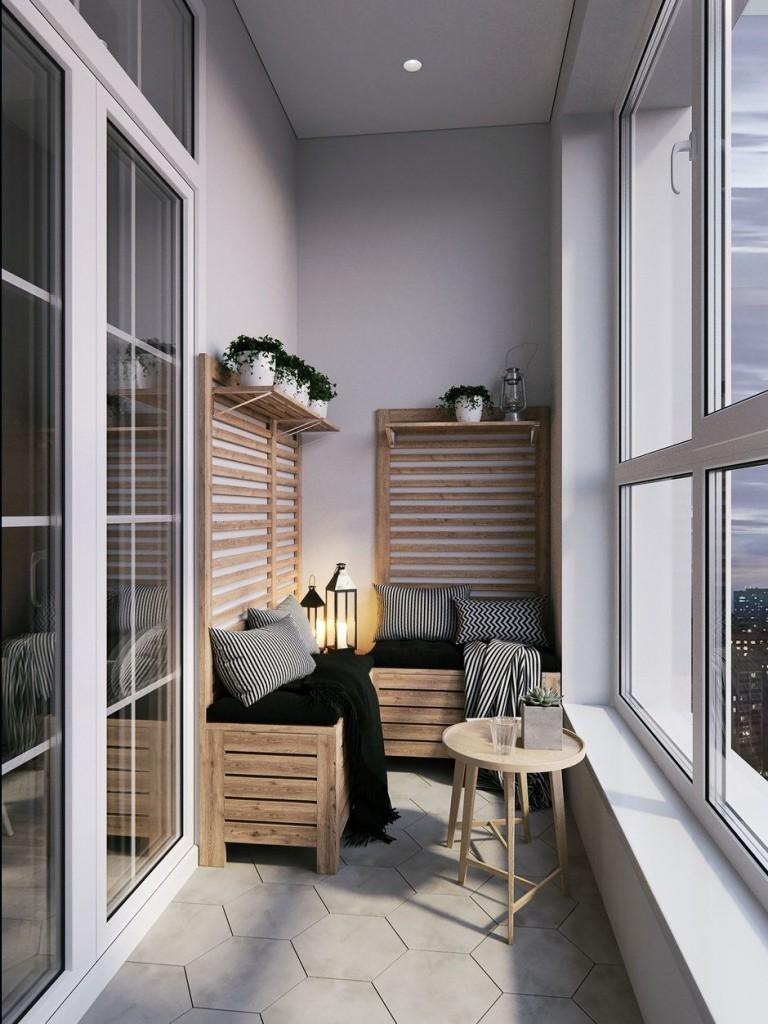 Деревянная мебель на балконе с пластиковым окном
