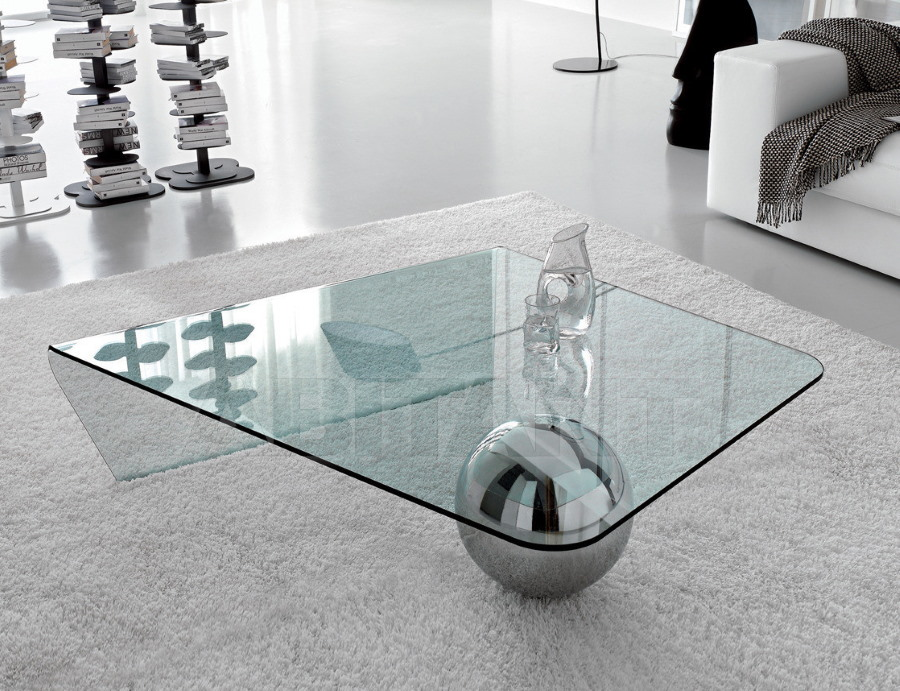Стеклянный журнальный столик с шаром вместо ножки
