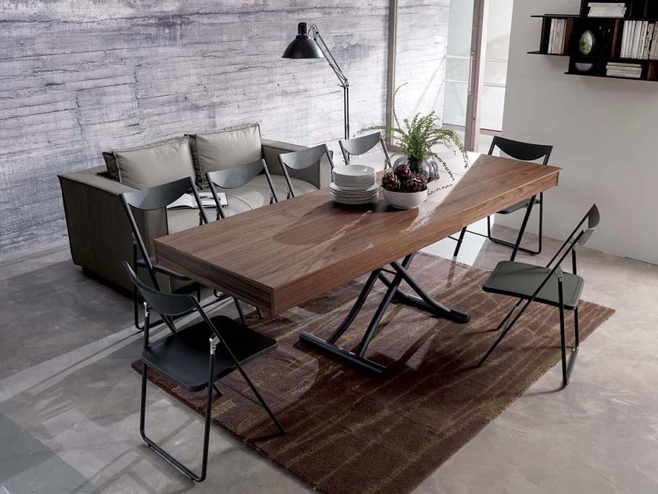 Стол-трансформер в обеденной зоне гостиной