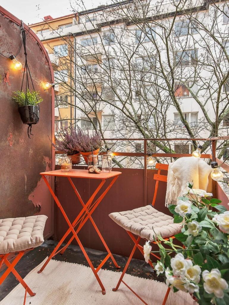 Выбор мебели для открытого балкона