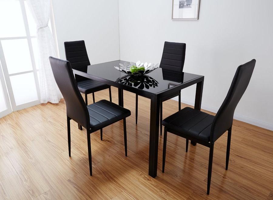 Современные стулья с кожаной обивкой