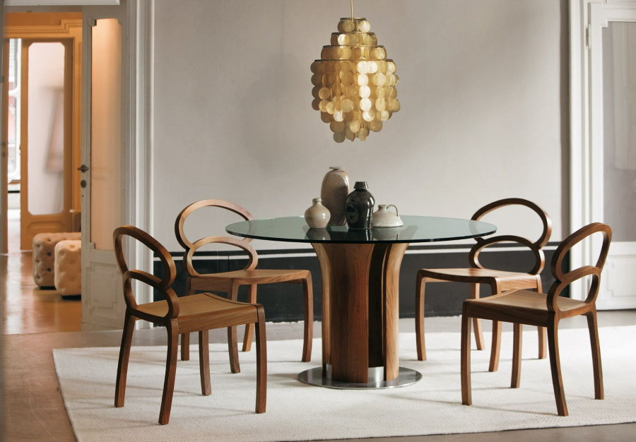 Обеденная группа со стульями в стиле модерн