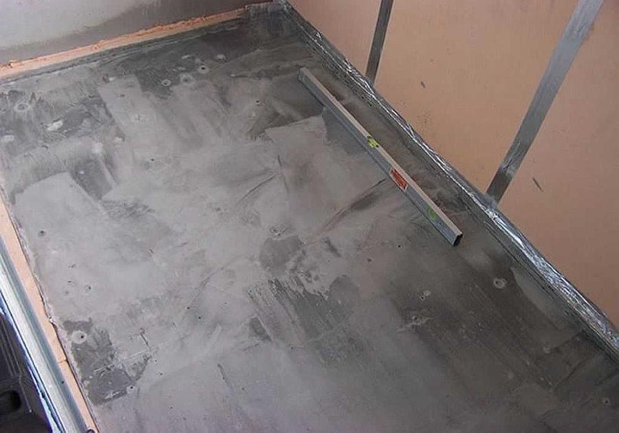 Цементная стяжка под плитку на балконе