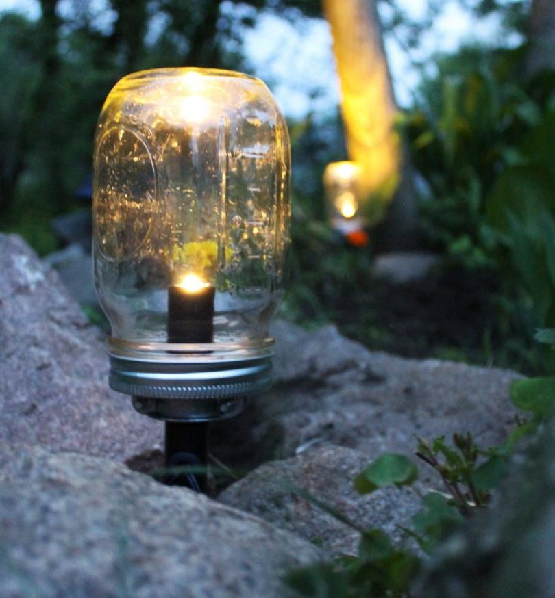 Садовый светильник из банки своими руками