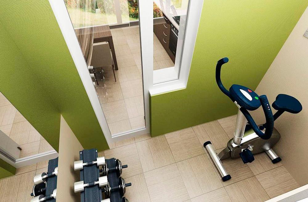 Мини-спортзал в интерьере балкона