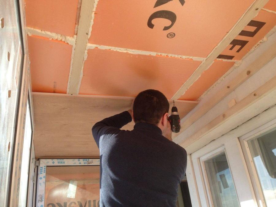 Утепление своими руками потолка небольшого балкона