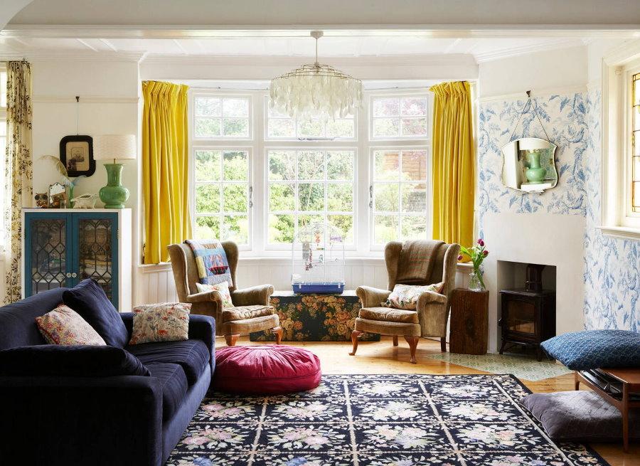 Желтые шторы длиной до подоконника
