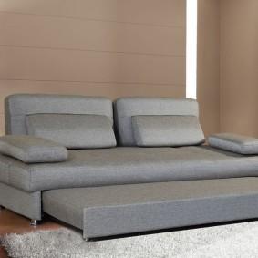 Вместительный диван со спальным местом